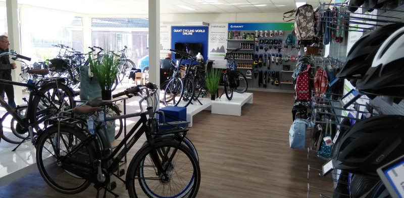 JAN wim kroon ebikes showroom Ter Aar Giant Flyer Westkanaalweg